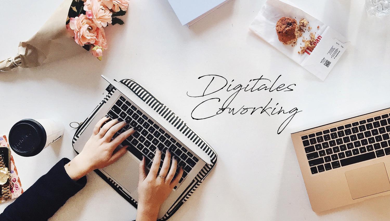 Digitales Coworking by Lisa Drebber, Laptop auf Schreibtisch im Home Office